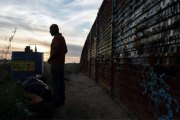 Un Mexicain se suicide après avoir été expulsé des États-Unis  Facebook