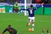 Angleterre: Un joueur d'Everton célèbre son but avant de le marquer…Vidéo!