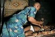 Cameroun: une grand mère coupe les seins de sa fille de 14 ans parce qu'elle sort déjà avec les hommes