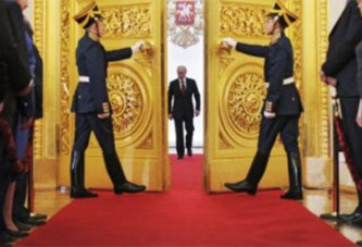 Enquête : comment Vladimir Poutine s'est rendu incontournable en Afrique du Nord et au Moyen-Orient