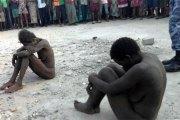 """Togo: Deux présumées sorcières tombent de leur """"avion"""" dans une banlieue de Lomé. Voici leur révélation. Photo"""