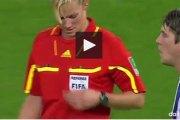Ce joueur allemand a touché la poitrine d'une femme arbitre en plein match. Sa réaction est sympa