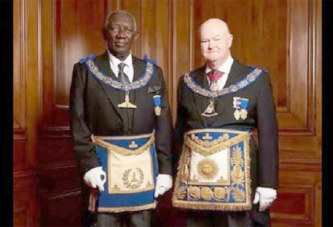 Franc-maçon : John Kufuor promu Grand maître de la Grande Loge d'Angleterre