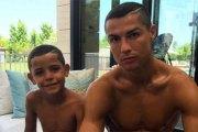 Découvrez l'incroyable somme versée par Cristiano Ronaldo à la mère porteuse de ses jumeaux