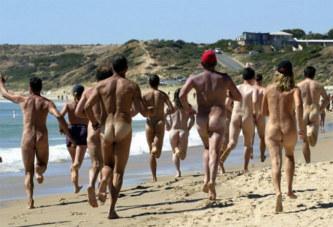 Corse: des nudistes chassés de la plage par des tirs de carabine