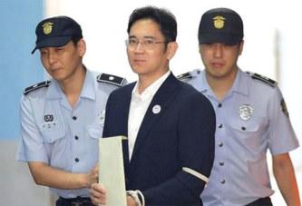 Le patron de Samsung écope de cinq ans de prison