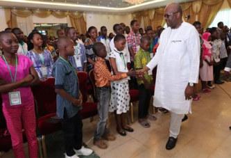 Prix de l'Excellence scolaire 2017 : Le Président du Faso réaffirme l'engagement du gouvernement à une discussion permanente avec les différents acteurs