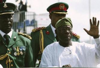 «Quittez le pouvoir ou le pouvoir vous quittera», Olusegun Obasanjo