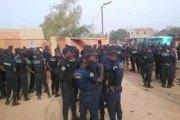 Le ministre Simon Compaoré n'a pas été pris en otage, mais prudence
