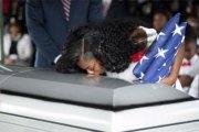 Trump «a fait pleurer» la veuve …