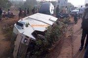 [Photo] Ouagadougou : Un fourgon de transfert d'argent fini sa course dans un caniveau