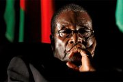 Comment «l'intraitable» Robert Mugabe négocie son départ du pouvoir zimbabwéen