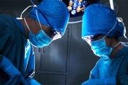 Paris : Brûlé à 95%, il survit grâce à une greffe de peau de son jumeau