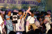 Abidjan/Pendant son concert, Le Maestro entraîne son public dans le surnaturel