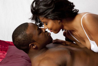 Tendres moments/ Ces zones où toucher une femme pour la rendre folle de désir