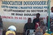 """Bobo Dioulasso : des habitants des zones """"non loties'' demandent la levée de la suspension des lotissements"""