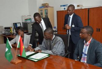 Commission Africaine de l'Aviation civile:  Le Burkina Faso vient d'amender l'article 10 (4) de la Constitution de 2009