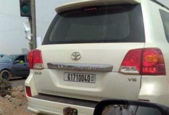 Burkina: un véhicule Land Cruiser V8 utilisant un numéro de téléphone comme immatriculation recherché