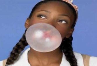 Mâcher du chewing-gum en marchant permettrait de faire perdre du poids