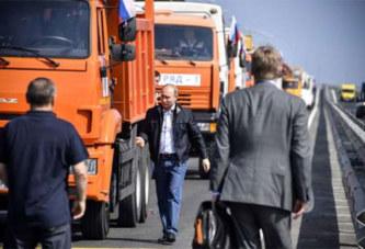 Poutine inaugure le plus long pont d'Europe