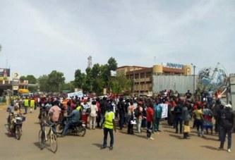 Burkina Faso: Des centaines de personnes manifestent contre les OGM