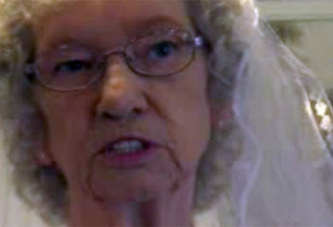 Insolite : à 81 ans, elle épouse enfin l'homme de sa vie !