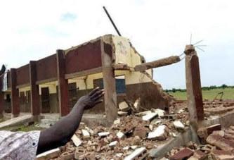 Bakaribougou ( Hauts-Bassins): les bâtiments d'une école décoiffés par un vent violent(correspondant)