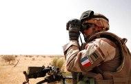 Mali: 35 morts en une semaine, Paris largue des parachutistes