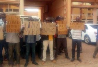 Mines : des travailleurs de la SMB réclament 18 mois d'arriérés de salaire