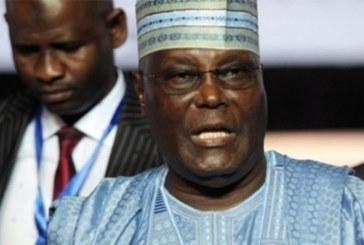 Nigeria: à peine annoncée, la réélection de Buhari contestée par l'opposition