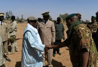 Mali: visite du président IBK dans le village dévasté d'Ogossagou