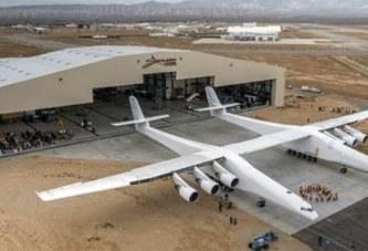Stratolaunch, le plus grand avion du monde a effectué son premier vol