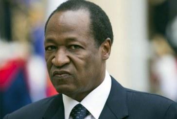 15 avril 2011 : le président Blaise Compaoré dissout le gouvernement à la suite d'une mutinerie