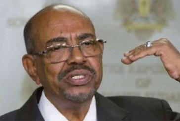 Soudan : le président déchu Omar el-Béchir transféré en prison, selon un de ses proches