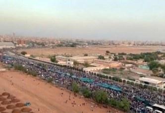 Soudan: Des manifestants toujours plus nombreux pour réclamer le départ d'Omar el-Béchir