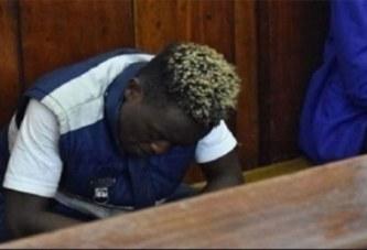 Kenya: un homme entretient des relations sexuelles publiques en plein jour