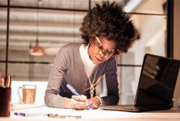 Travailler plus de dix heures par jour de façon prolongée augmente le risque d`AVC