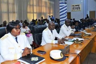 Prévention et gestion des conflits et crises communautaires : Le Premier ministre échange avec les gouverneurs et les hauts-commissaires