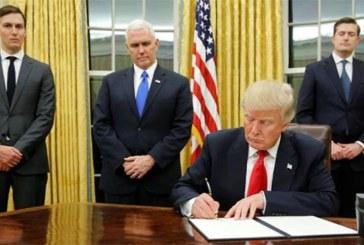 Donald Trump limoge deux témoins-clés de l'enquête sur sa destitution