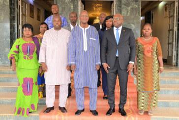 Redevances TNT : Les télévisions privées payeront 75 millions de FCFA par an pour diffuser leurs programmes sur le territoire national