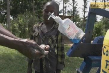 Kenya : âgé de 9 ans, Steeve Wamukota crée une machine à laver les mains [Vidéo]