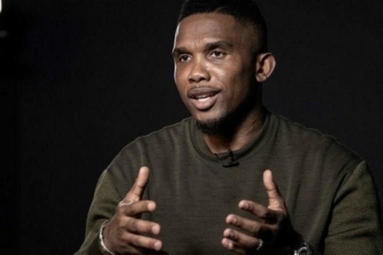 Bavure policière: une femme noire enceinte violentée en France… Samuel Eto'o en colère réagit-Vidéo