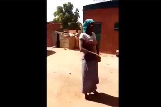 Vidéo: Une femme dévoile l'identité des personnes qu'elle aurait tué par sorcellerie