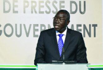 Point de presse du gouvernement:  La ré-immatriculation du parc de véhicules pour 2014