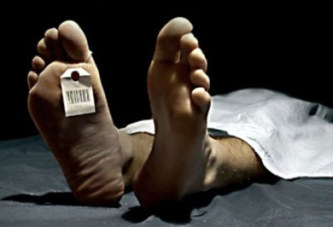 Le cauchemar d'un homme qui se réveille à la morgue