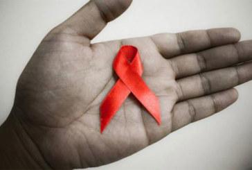 SIDA:    Ceux qui en vivent et ceux qui en meurent
