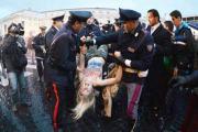 Vatican : Des femmes aux seins nus font irruption au conclave !