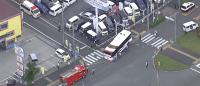 東京都八王子市堀之内2丁目付近で首都大キャンパス間往復のバスが衝突事故