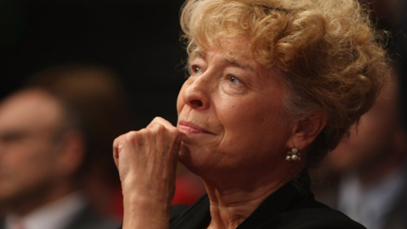 "Gesine Schwan (SPD) ""Ο Σόιμπλε θέλει μόνο να ρίξει το ΣΥΡΙΖΑ"""