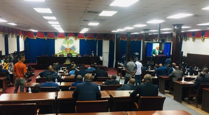 Les députés rejettent la demande de mise en accusation